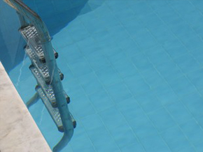 Escalerilla de piscina